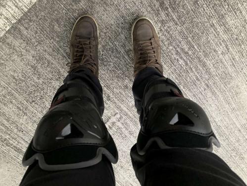 BIONIC ACTION 護膝  重機與機車零件、騎士服裝販售 Webike摩托百貨